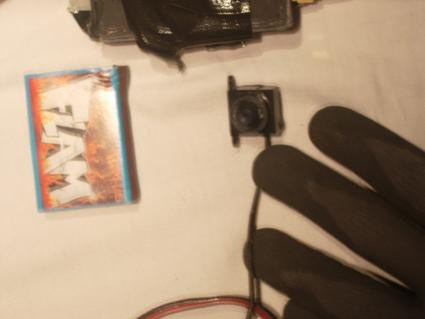 Die Kamera - Versteckte Kamera in einer Wohnung von zwei AnarchistInnen entdeckt - Brüssel, Belgien