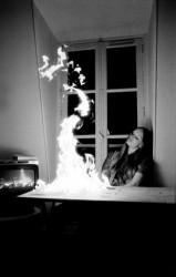 brennender tisch