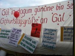 Knastkundgebung in Solidarität mit Gülaferit Ünsal am 11.11.2013 in Berlin-Lichtenberg