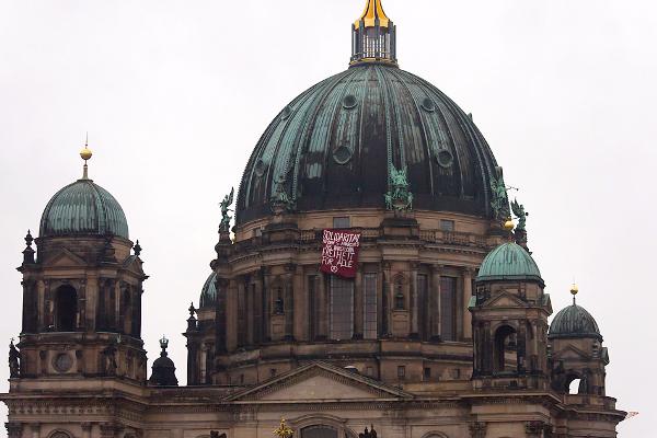 Solidarität mit den 5 Festgenommenen in Barcelona-Spanien in Berlin